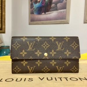 Louis Vuitton Monogram Bifold Sarah Wallet 👜